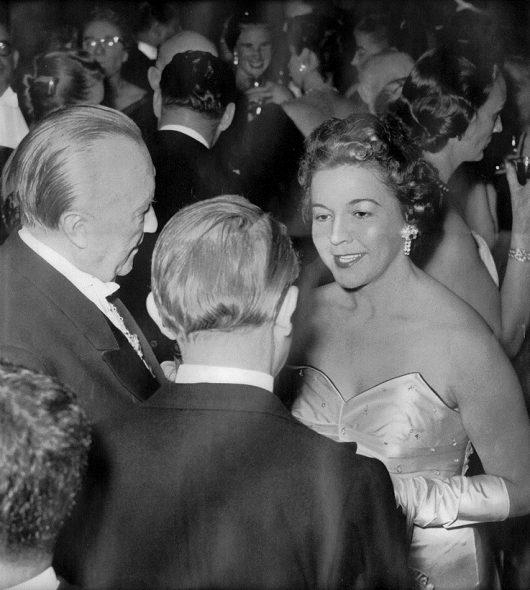 BRF-Sendeleiterin Irene Janetzky und der deutsche Bundeskanzler Konrad Adenauer 1956 (Bild: BRF-Archiv)